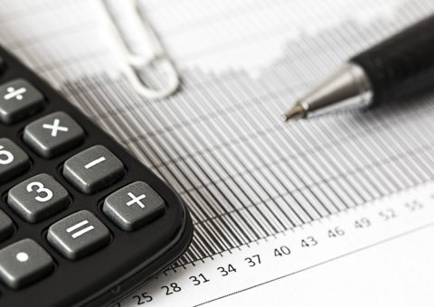 Visuel de calculatrice Fisca-Services spécialistes en comptabilité générale à Genéve